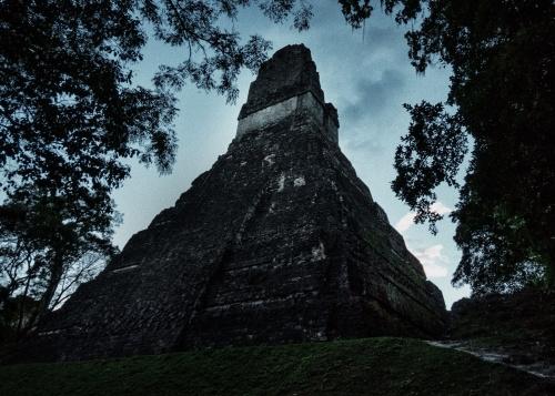 maya tikal pyramid -1