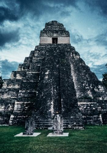 maya tikal pyramid -2